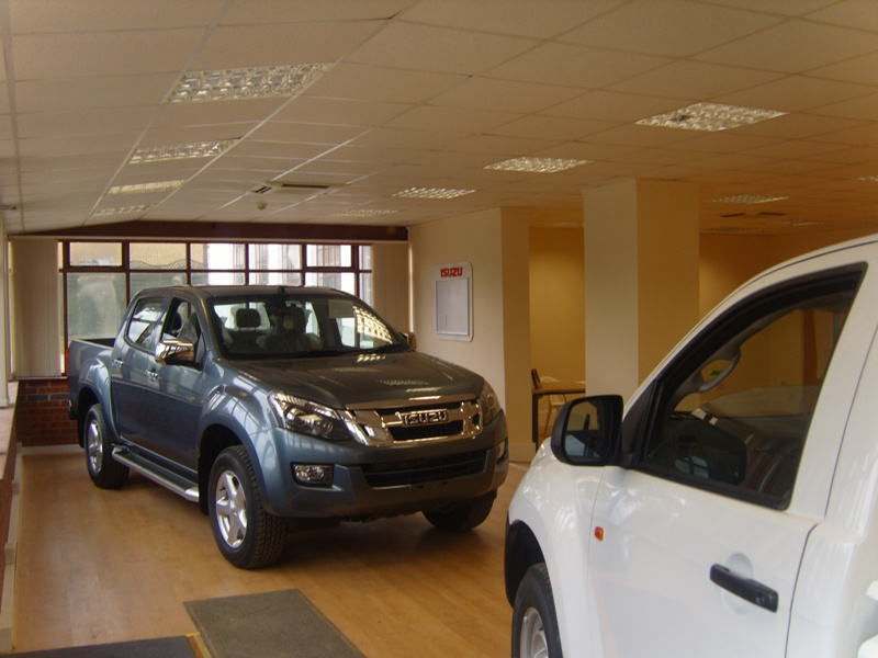 Car showroom2